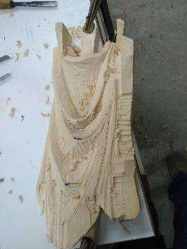 חולצה בהתהוות, עץ תרזה (Bass wood)