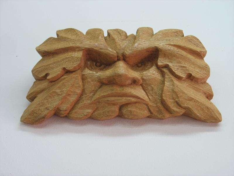 איש עלים-אלים, גילוף בעץ אמרי