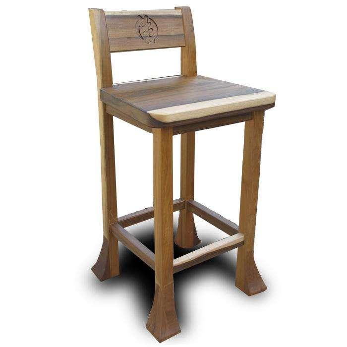 כסא גבוה, מעץ מנסוניה עם סמל מגולף של עליונות האל על פי תרבות האקאן האפריקאית