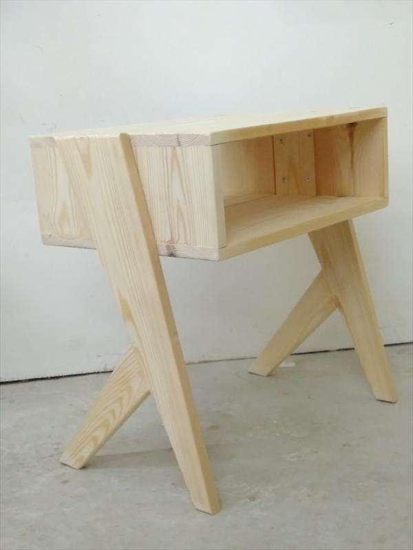 שולחן צד מעץ אורן, ענבל