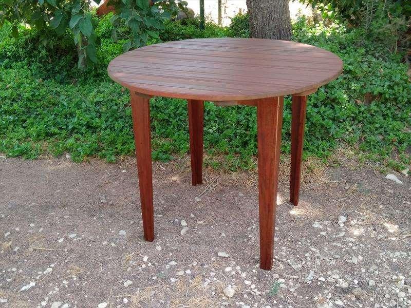 שולחן חוץ מעץ איפאה