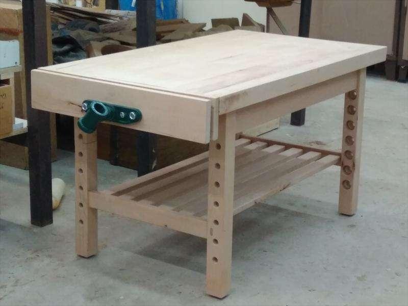שולחן נגרים לילד, עם גובה מתכוונן, עשוי עץ בוק, ליאור
