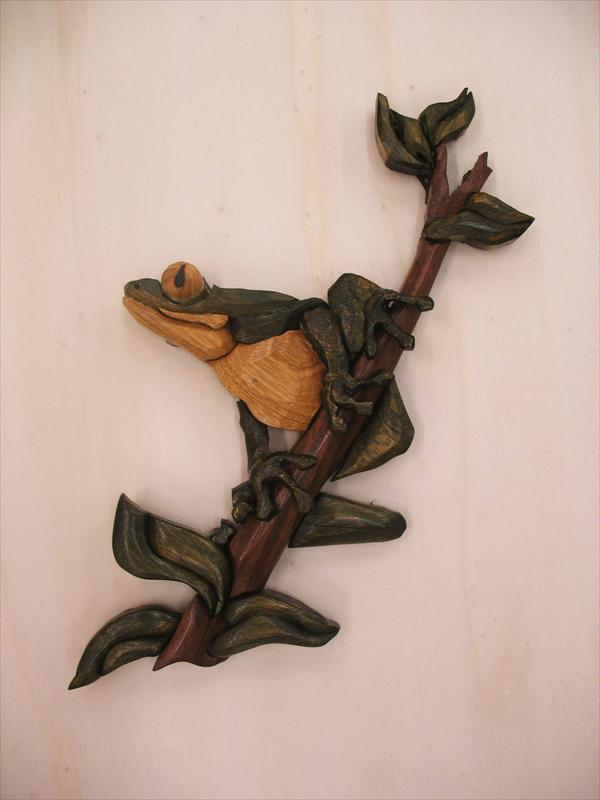 צפרדע, עצים שונים בטכניקת אינטרסיה, תמוז