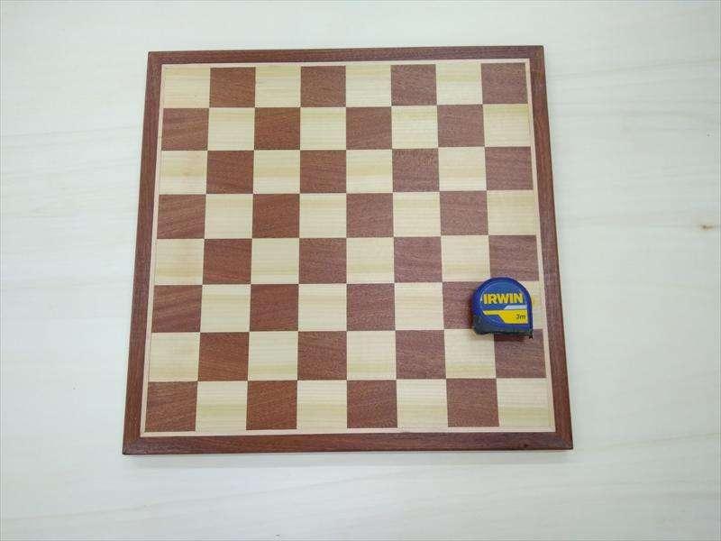 לוח שחמט, מצפצפה וספלי + פס מייפל במסגרת, אמתי