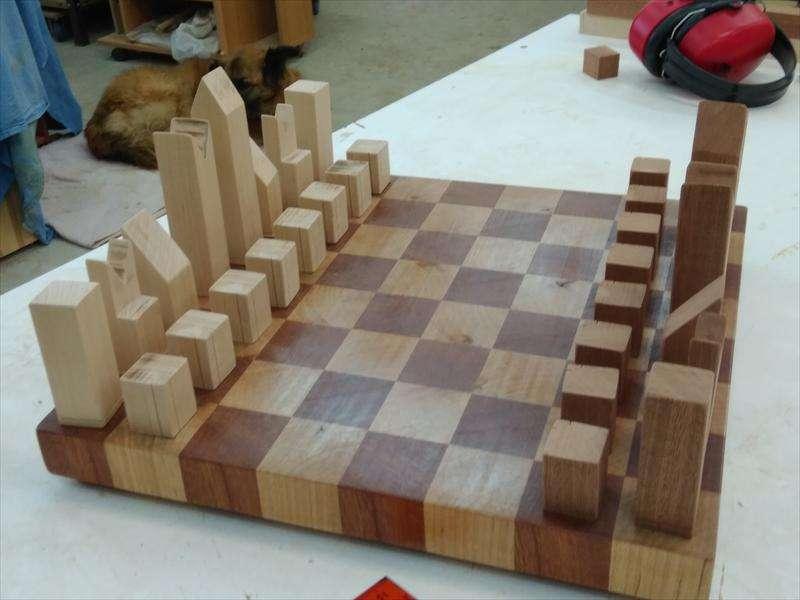 לוח שחמט וכלי משחק, מעץ ספלי ומייפל, רחל